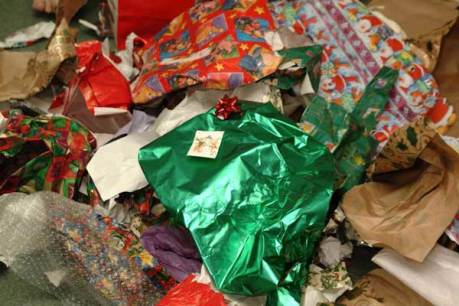 recycle-holidays-wrapping-paper-large