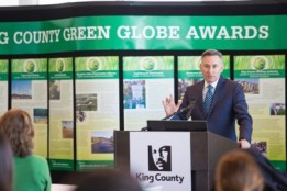 0417KCgreenGlobeAwards067